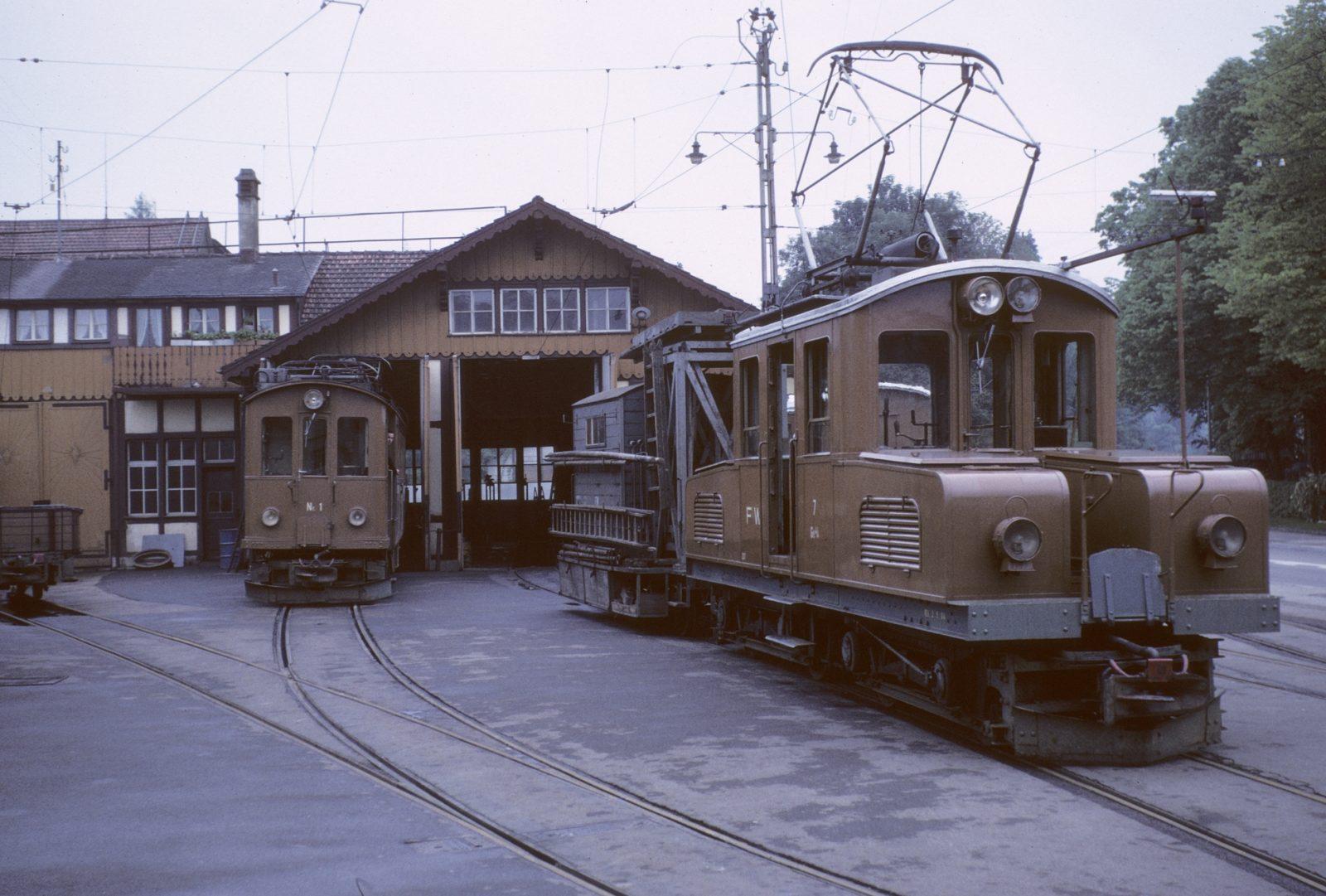 vor dem Depot Frauenfeld Stadt der Frauenfeld Wil Bahn