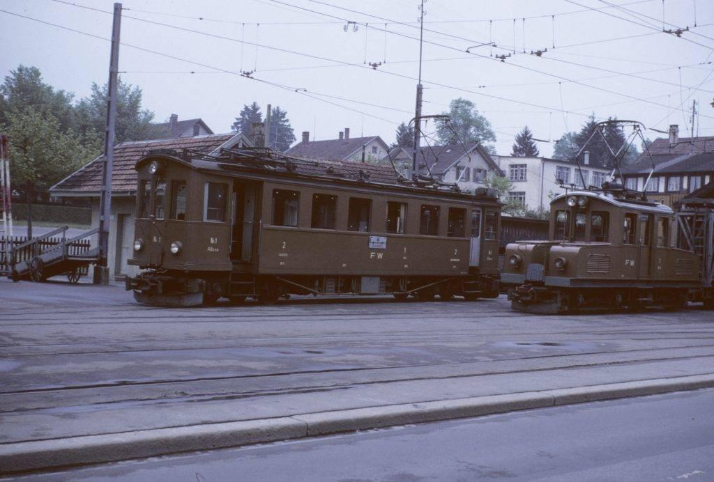 Triebwagen und Güterlokomotive Frauenfeld Wil Bahn