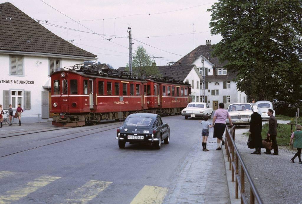 Original Triebwagen im alten Bahnhof Matzingen