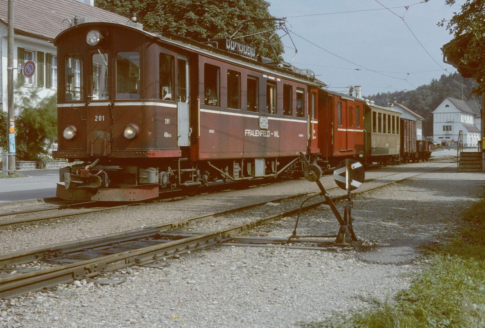 Frauenfeld Will Bahn roter Triebwagen