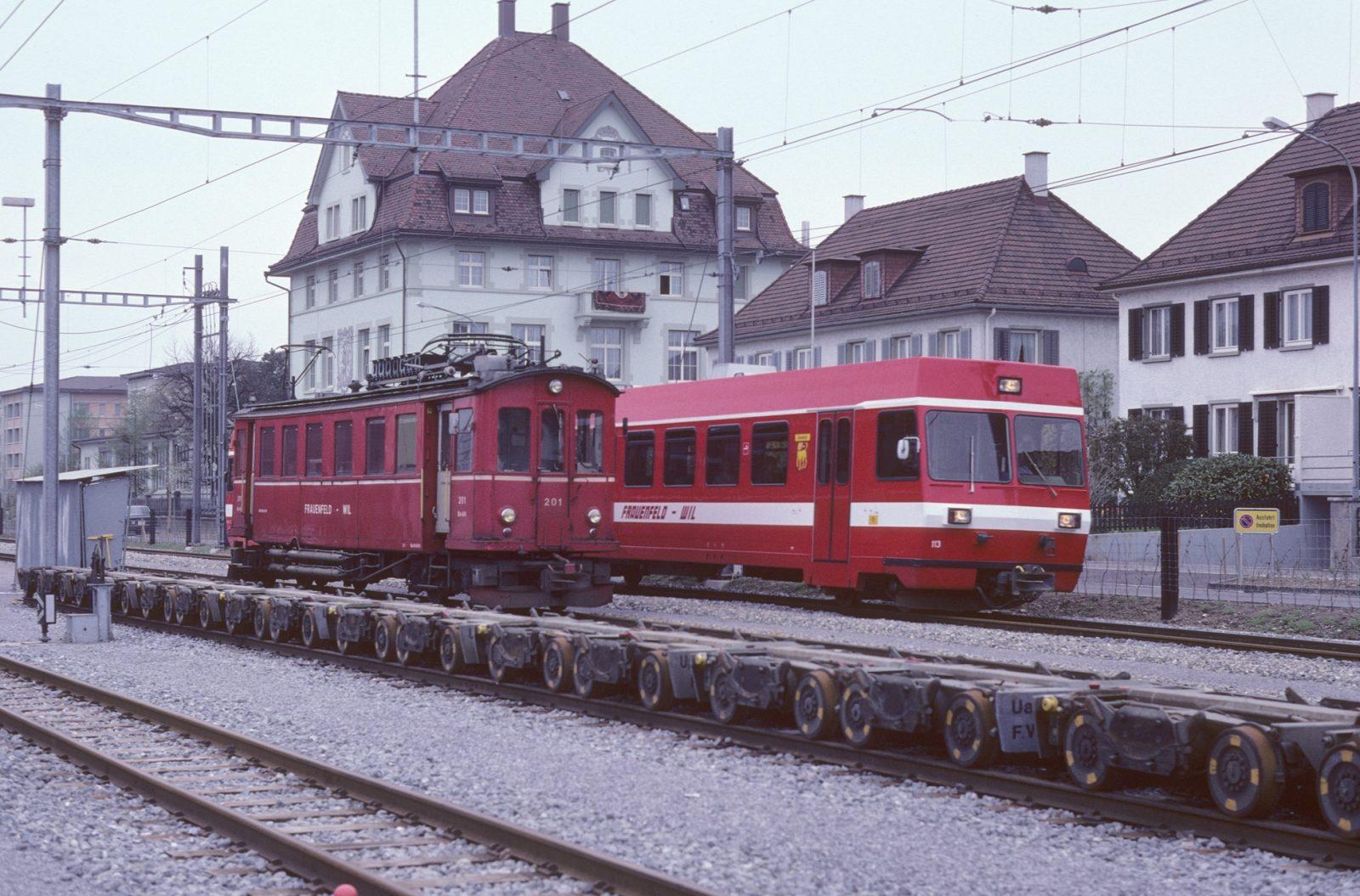 FW Bahn Wil Bahnhof alt und neue Triebwagen