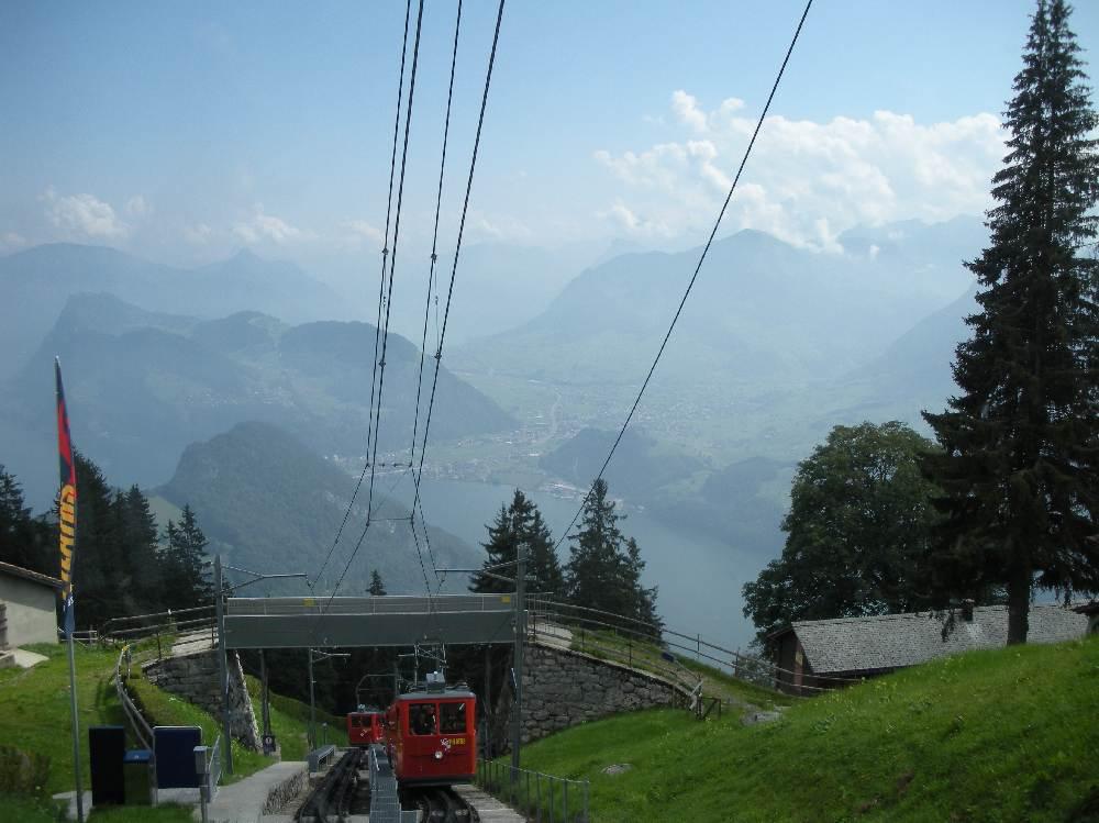 pilatusbahn blick ins Tal