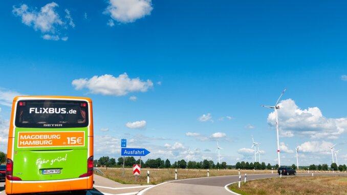 Flixbus auf der Autobahn