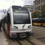 FW-Bahn mit Postauto